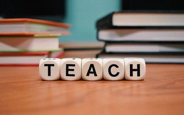 A piccoli passi nel laboratorio di scrittura e lettura. Problem solving del docente riflessivo