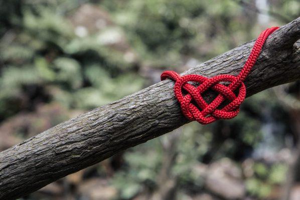 Riflessioni sul filo rosso della responsabilità: le scelte che cambiano i personaggi.